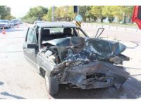 Yeşil ışığın kendisine yandığını zanneden sürücü kazaya sebep oldu