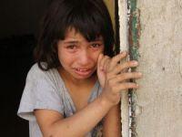 Anne terk etti, baba işe gitti, aç kalan çocuklar mahalleliyi ağlattı