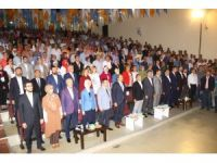 AK Parti Edremit 6. Olağan Kongresi'nde 'tek liste, tek aday' denilmesine rağmen iki liste yarıştı