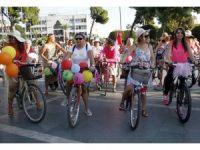 Bisikletlerini süslediler, pedal çevirdiler