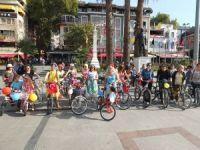 Bandırma'da kadınlar bisiklete bindi