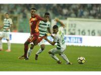 Süper Lig: Bursaspor: 1 - Galatasaray: 0 (İlk yarı)