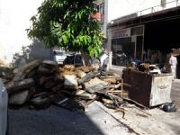 Akdeniz'de iş yeri yanan vatandaşa maddi yardım
