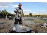 Yozgat'ta kazanlar pekmez için kaynıyor