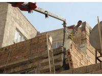 Haliliye'de tehlikeli yapı yıkıldı