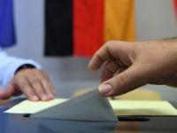 Almanya'da aşırı sağcı AfD meclise girmeyi başardı