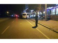 Kafeye giderken otomobilden açılan ateşle yaralandı