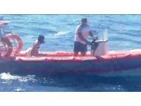 Denizde sürüklenen kadını itfaiye cankurtaran botu kurtardı