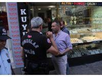 Kavgaya müdahale eden polis, tüfeğin ateş almasıyla yaralandı