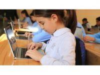 Geleceğin dahileri küçük yaşta kodlama programlarını öğreniyor