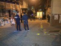 Fatih'te mahalleli ile Suriyeliler arasında silahlı kavga: 3 yaralı