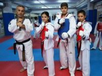 Taekwondo'da Bayraklı'nın gururu oldular