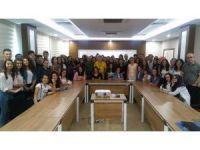 Lise öğrencileri AÜ'de