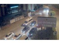Reklam panosuna giren otomobil kazası MOBESE'de