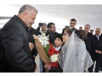 """Bakan Arslan: """"BTK demiryolu hattında ilk resmi tren 30 Ekim'de Kars'a gelecek"""""""