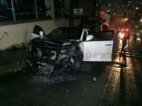 Kağıthane'de lüks araç kundaklandı