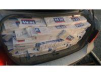 Lüks otomobilde 8 bin 400 paket kaçak sigara çıktı