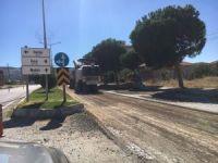 Selendi'de yollarında sıcak asfalt çalışması