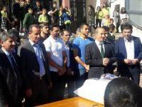 Evkur Yeni Malatyaspor teknik heyeti ve futbolcuları aşure etkinliğine katıldı
