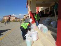 Edremit Belediyesinden okullara malzeme desteği