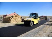 Kırsal mahallelere asfalt atağı