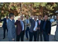 Kale Belediye Başkanı Akdemir'den, Başkan Karaman'a plaket