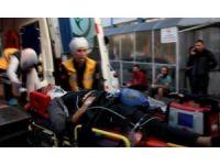Motosikletten düşen kasksız 2 genç yaralandı