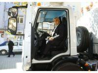 Çok amaçlı temizlik aracının ilk deneme sürüşünü Başkan Çalışkan yaptı
