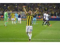 17 futbolcu ilk kez Galatasaray - Fenerbahçe derbisi heyecanı yaşayacak