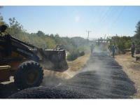 Akdeniz'in mahalleleri asfaltla yenileniyor