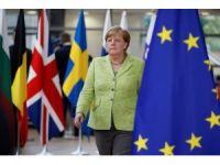 Merkel, Türkiye'ye yapılan yardımları gündeme getirecek