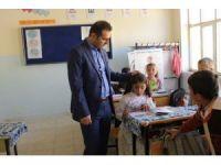 Müdür Tünçmen köy okullarını inceledi