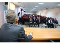 Büyükkılıç, Ali Rıza Özderici Anadolu Kız İmam Hatip Lisesi'nde Kariyer Günleri'nin konuğu oldu