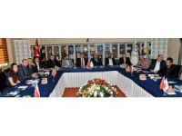 Belarus Büyükelçisi Savınykh ETSO'yu ziyaret etti