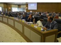 Meclis toplantısının konusu istifalar oldu