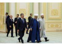 Özbekistan Cumhurbaşkanı Mirziyoyev, Diyanet İşleri Başkanı Erbaş'ı kabul etti