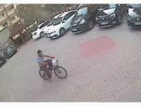 Bisiklet hırsızı polisten kaçamadı