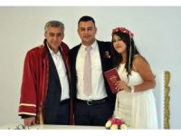 İzmir Güzelbahçe'de 1 liraya nikah