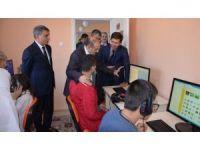 Vali Ustaoğlu, Tatvan'da temaslarda bulundu