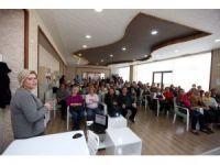 'İkinci Bahar' müdavimlerine meme kanseri eğitimi