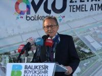 Topun Ağzındaki Balıkesir Belediye Başkanı, İstifa Sinyali Verirken Erdoğan Posteri Asmadı