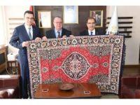 Kolombiya Ankara Büyükelçisi, Vali Demir'i ziyaret etti