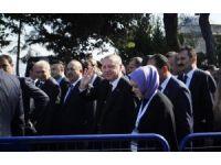 Cumhurbaşkanı Erdoğan, cuma namazını Bezm-i Alem Valide Sultan Camii'nde kıldı