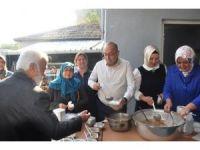 Milletvekili Gider, Karabiga'da  vatandaşlara aşure dağıttı