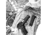 Silah ve telefon çalan iki hırsız tutuklandı