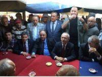 92 yaşındaki yaşlı amca Kılıçdaroğlu'nu görmeye geldi