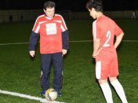 Çanakkale Valisi Tavlı, Diyarbakır'dan gelen öğrencilerle maç yaptı
