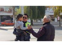 Polis amca sevgisi
