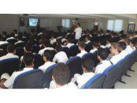 Mersin Barosu'ndan lise öğrencilerine 'suç sayılan davranışlar' eğitimi