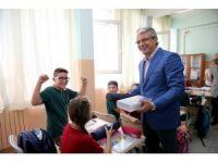 Eğitim setleri Karşıyaka Belediyesi'nden